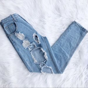 Pretty little things Kendall mom jeans destroyed